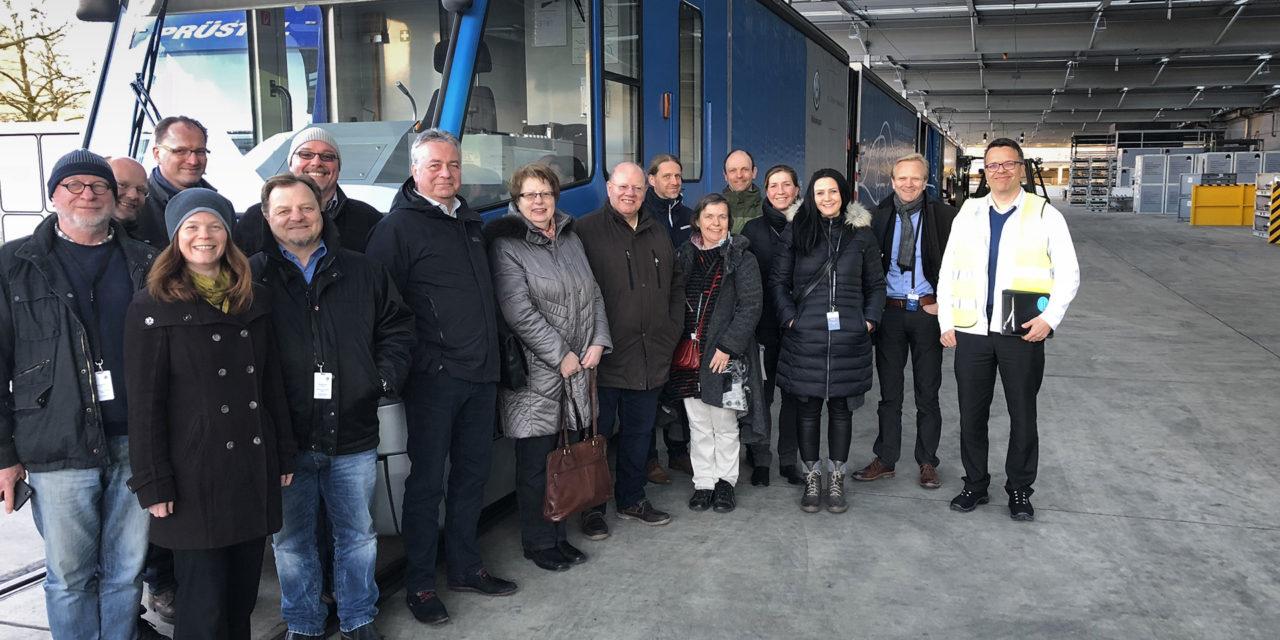 Straßenbahn für innerstädtische Transporte?!  AG Innovation diskutiert in Dresden über alternative Transportmöglichkeiten
